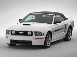 Ford Mustang image 10_9_2013